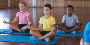 Beneficios del yoga niños